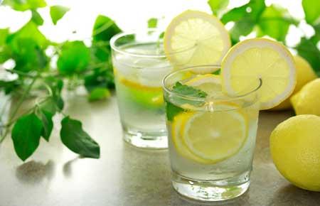 Как убрать следы от прыщей с помощью лимонного сока