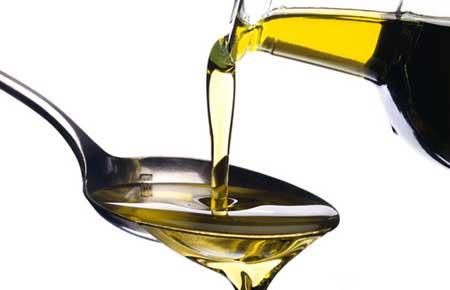 Как убрать следы от прыщей с помощью оливкового масла