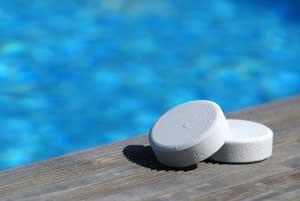 Хлорка часто используется для дезинфекции бассейнов