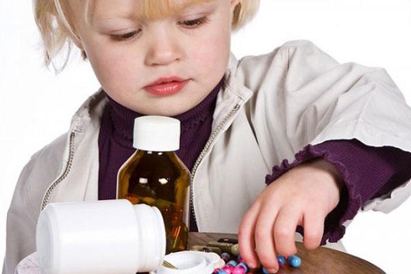 Отравление детей лекарствами