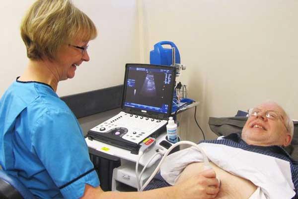 Диагностика аневризмы брюшной аорты у мужчины с помощью УЗИ