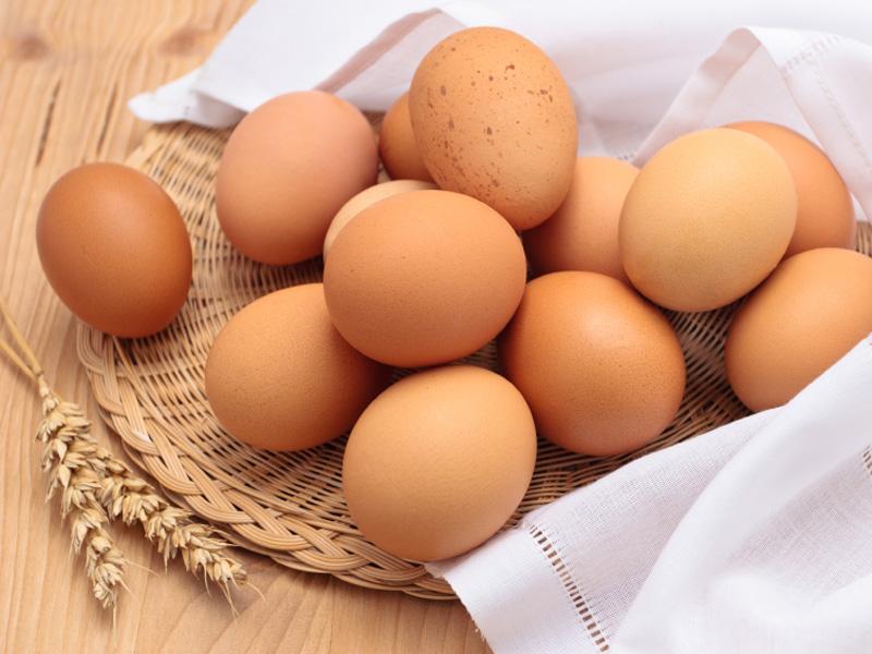 Яйца с коричневой скорлупой не полезнее белых яиц