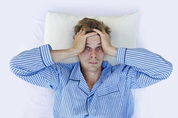 Проблемы со сном можно решить с помощью оригинального метода - заставить себя не спать