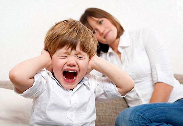 Истерики у детей: что делать