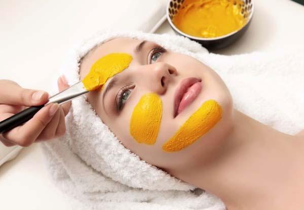 Как использовать куркуму для ухода за лицом и волосами