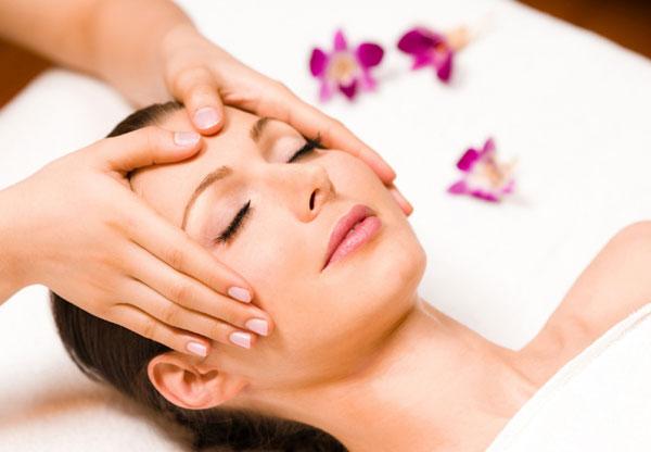 Как делать массаж лица: несколько полезных советов
