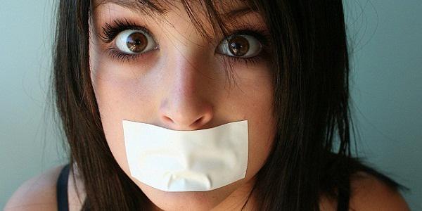 чем убрать неприятный запах изо рта