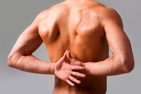 отчего появляются боли в спине