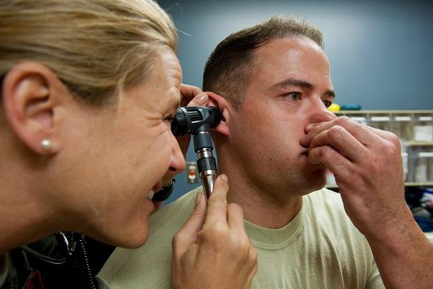 Как лечить простуду беременным закладывает уши