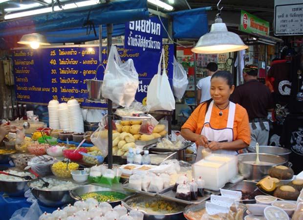 еда уличных торговцев - риск для путешественников