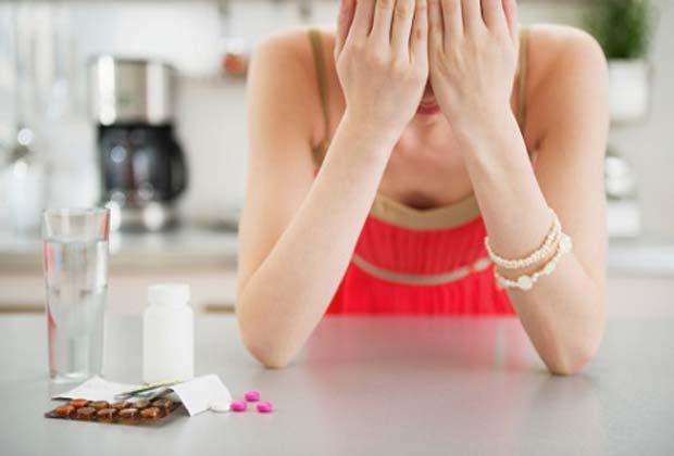 Как лечить плаксивость у женщин причины