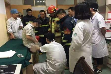 Половой член извлекали спасатели