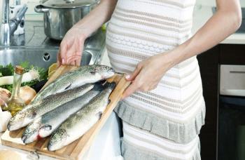Активное потребление рыбы во время беременности может навредить ребенку