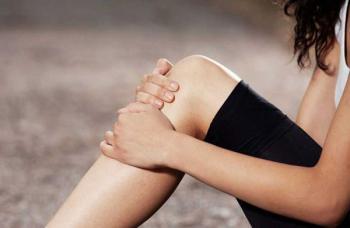 Гормон Эстроген отвечает за хрупкость связок и увеличивают риск травмы колена у женщин