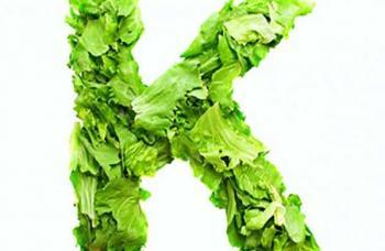 Капуста, шпинат, мангольд, брокколи и цветная капуста, богатые витамином К, могут уменьшить риск ослабления зрения почти на 30%.