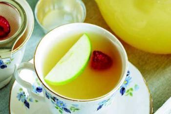 Зеленый чай и яблоки