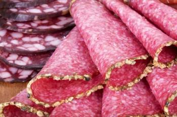 Обработанное красное мясо, колбаса