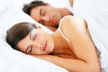 Засыпать и вставать в одно то же время