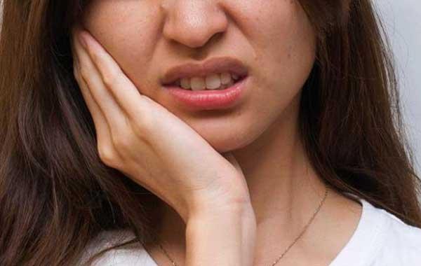 Симптом столбняка - тризм или жесткость в мышцах челюсти