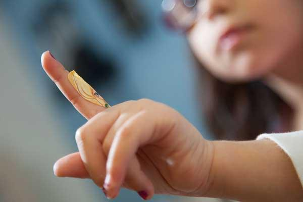 Ювенильный (юношеский) ревматоидный артрит: симптомы и лечение