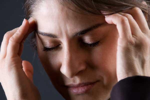 Признаки и симптомы опухоли головного мозга: постоянно болит голова