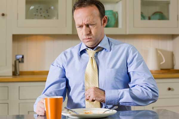 У мужчины отрыжка после приема пищи