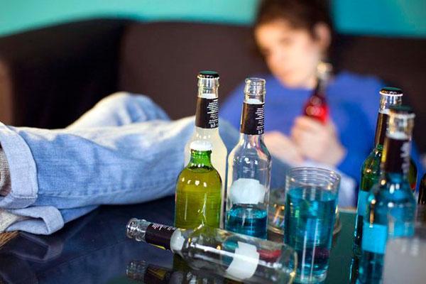 Основным признаком стадии физической зависимости от алкоголя является