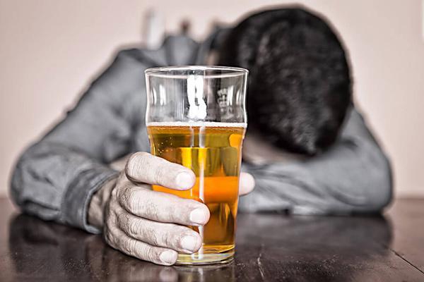 Алкоголизм: описание, симптомы, диагностика