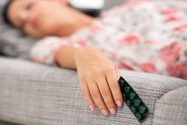 Стоит ли принимать снотворное во время беременности