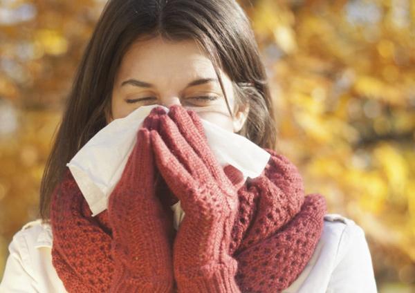 Как справиться осенью с гриппом и простудой народными средствами
