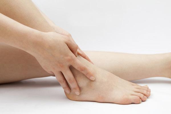 Растяжение голеностопа
