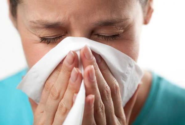 чихать в платок при простуде