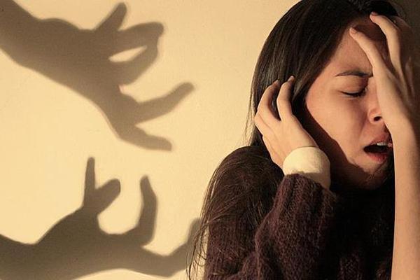 Фобии: причины, симптомы, диагностика и лечение