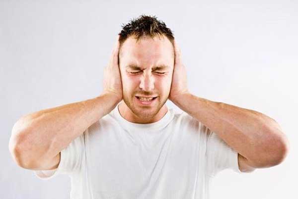 Тиннитус – шум в ушах