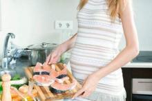 Потребление лосося во время беременности снижает риск дыхательной аллергии у детей
