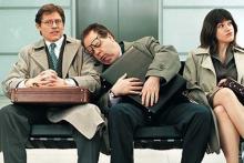 Гиперсомния - мужчина заснул на плече у соседа в метро, рядом недовольная девушка