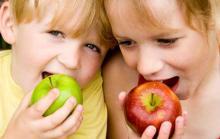 Яблоки самый популярный фрукт у детей