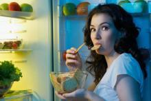 Кушать перед сном вредно