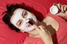Гладкая кожа с помощью масок из природных продуктов