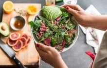 Можно ли кушать одни овощи и фрукты?