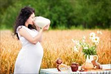 Как питаться беременным женщинам