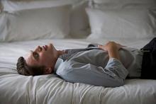 длительная боль в животе у мужчин