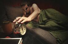 Недостаток сна в течение длительного периода связан с повреждением или потерей нейронов